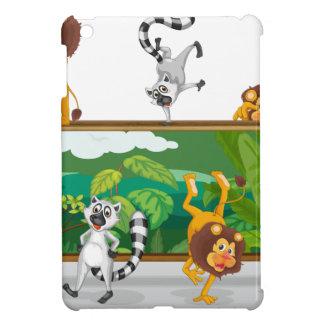 león y ardillas con el tablero