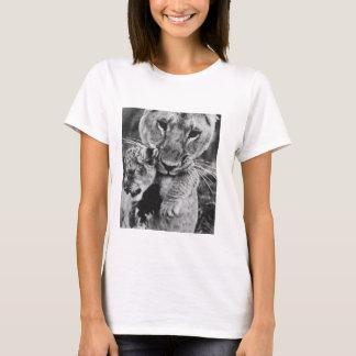 León y camiseta para mujer de Cub