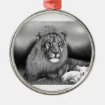 León y el cordero ornamento de reyes magos