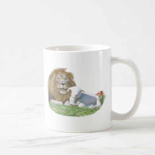 león y el cordero taza de café