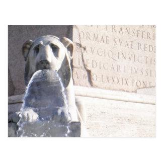 león y obelisco tarjeta postal
