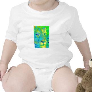 Leona en neón traje de bebé