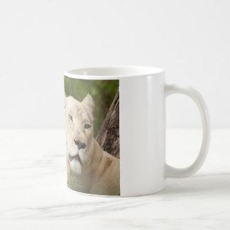 Leonas blancas taza de café