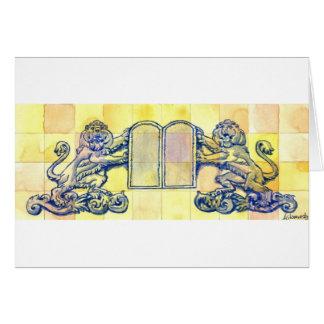 Leones con diez tabletas de los mandamientos tarjeta de felicitación