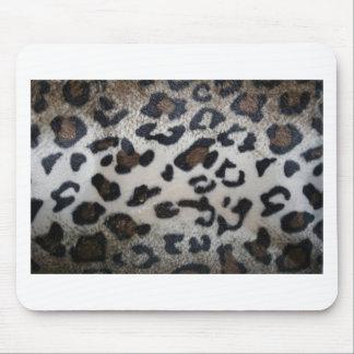 Leopard pattern, natural color fake fur closeup mouse pad