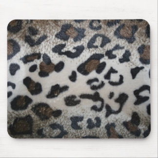 Leopard pattern, natural color fake fur closeup mouse pad