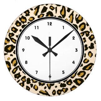 Leopard print pattern large clock