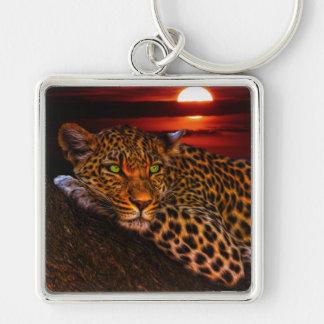 Leopardo con puesta del sol llavero cuadrado plateado