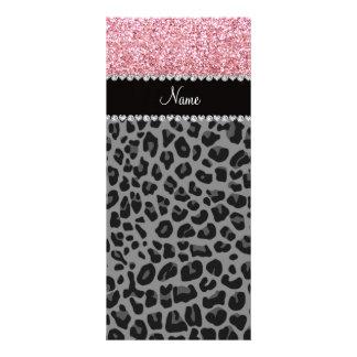 Leopardo conocido del negro del brillo del rosa en tarjeta publicitaria