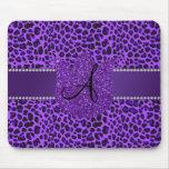 Leopardo de la púrpura del monograma tapete de raton