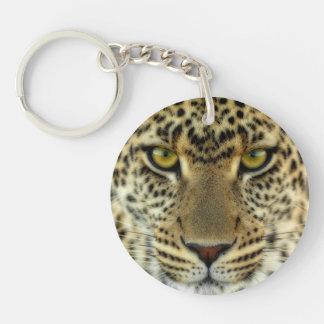 Leopardo feroz llavero redondo acrílico a doble cara