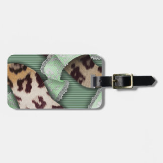 Leopards 'n Lace - green - Luggage Tag