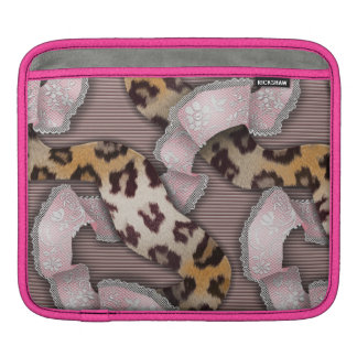 Leopards 'n Lace - pastel pink - iPad Sleeve