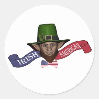 Leprechaun americano irlandés patriótico divertido pegatina redonda