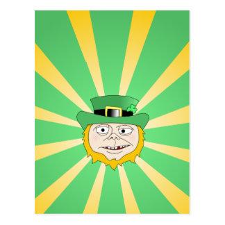 Leprechaun borracho tarjetas postales