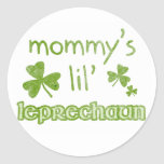 Leprechaun de Lil de la mamá Pegatina Redonda