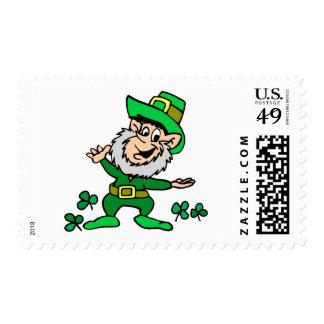 Leprechaun del día del St. Patricks Sello Postal