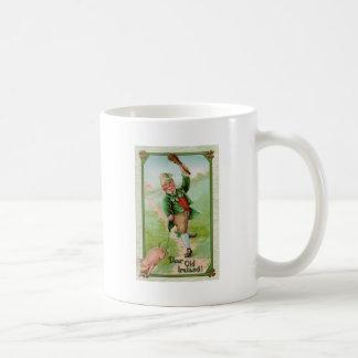 Leprechaun feliz taza