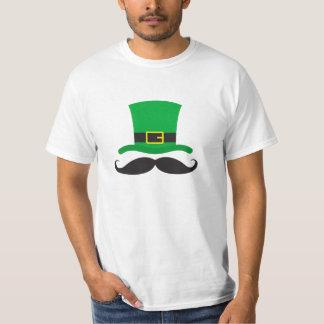 Leprechaun hat funny mustache St Patrick's day T-Shirt
