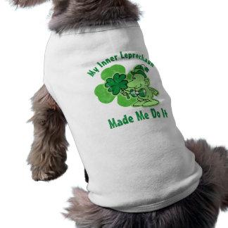 Leprechaun interno de la tela escocesa playera sin mangas para perro