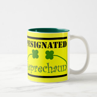 Leprechaun señalado taza de café