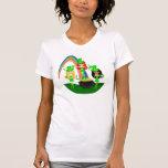 Leprechauns del chica del día de San Patricio Camisetas