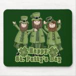 Leprechauns del día del St Patty feliz Tapete De Ratón