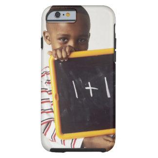Lernen von Arithmetik. 4-jähriger Junge, der a häl Tough iPhone 6 Case