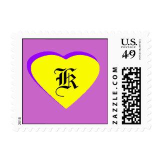 Letra Amarillo-Púrpura K del corazón el MUSEO Envio