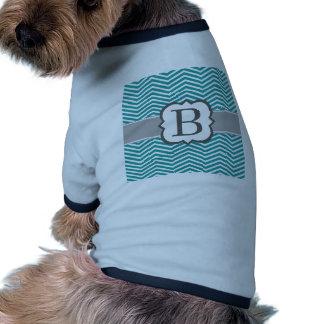 Letra blanca B Chevron del monograma del trullo Camisas De Mascota
