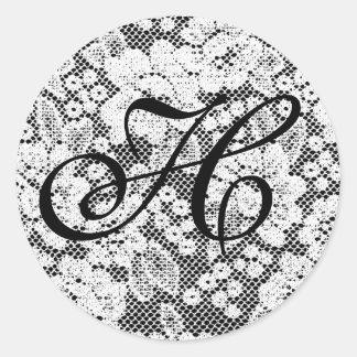 Letra blanco y negro con monograma H del pegatina