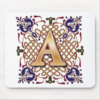 Letra céltica A del diseño Tapetes De Raton