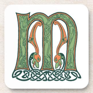 Letra céltica M, diseño del nudo del irlandés Posavasos De Bebida