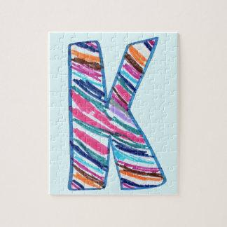 Letra colorida K como en Kay en azul claro Puzzles Con Fotos