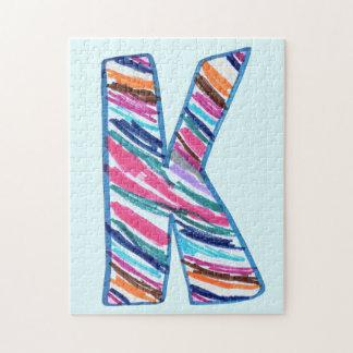 Letra colorida K como en Kay en azul claro Rompecabezas Con Fotos