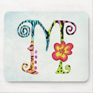 Letra con monograma colorida enrrollada M Mousepad Tapetes De Ratones
