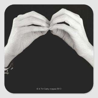 Letra de firma b del hombre en lenguaje de signos pegatina cuadrada