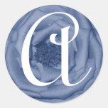 Letra del monograma un pegatina color de rosa azul