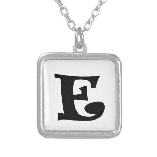 Letra E_large Collares Personalizados