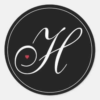 Letra elegante H del monograma con el corazón Pegatina Redonda