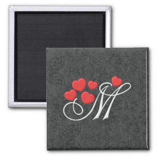 Letra elegante M de los corazones Imán Cuadrado