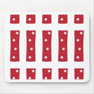 Letra I - Estrellas del blanco en rojo oscuro Tapete De Ratones