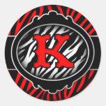 letra inicial K de la cebra roja traviesa Etiqueta Redonda