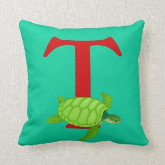 Letra inicial T, regalo lindo del monograma del Cojín Decorativo