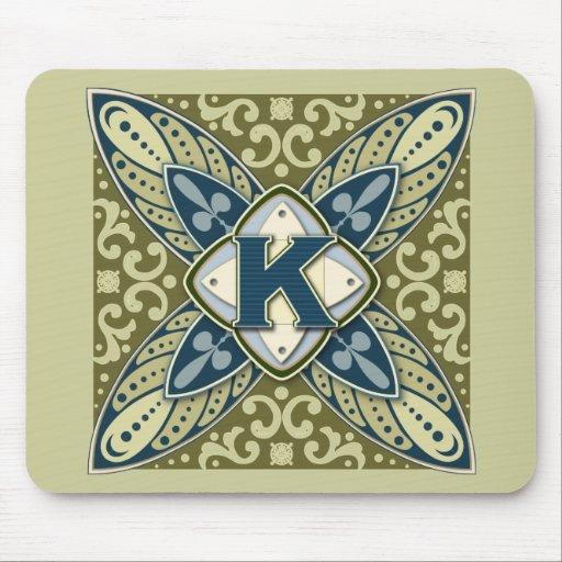 Letra K de la piedra preciosa grabada en hueco Tapete De Raton