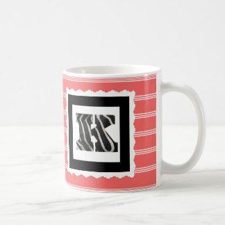 """Letra """"K"""" del estampado de zebra en telas a rayas Taza De Café"""