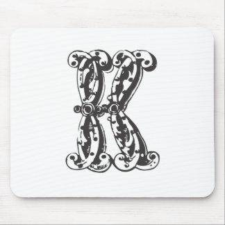Letra K del monograma Mousepad