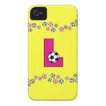 Letra L monograma en rosa del fútbol Case-Mate iPhone 4 Protectores