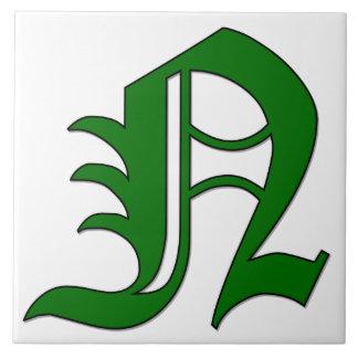 Letra N del diploma en teja verde del monograma