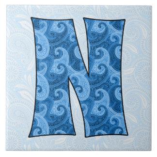 Letra N - Paisley azul con monograma teja de 6 pul